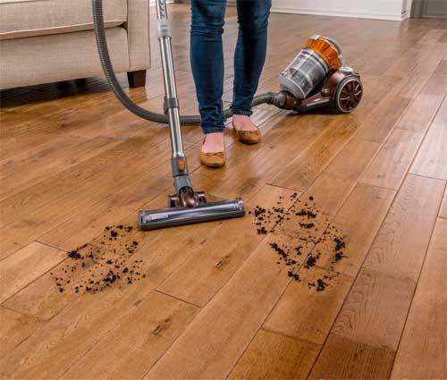 Pros & Cons Of Upright Vs Canister Vacuum Cleaners