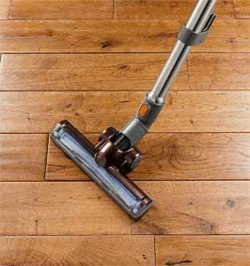 Using Bissell to Vacuum Hardwood Floors